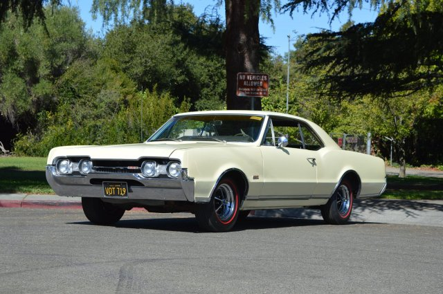 Pre-Owned 1967 Oldsmobile Cutlass 442 #s Matching Fully Documented 442  Build Sheet