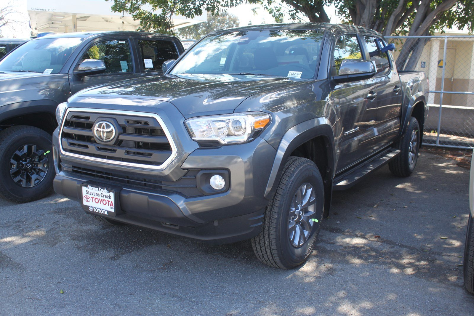 automatic new at cab detail double toyota tacoma bed