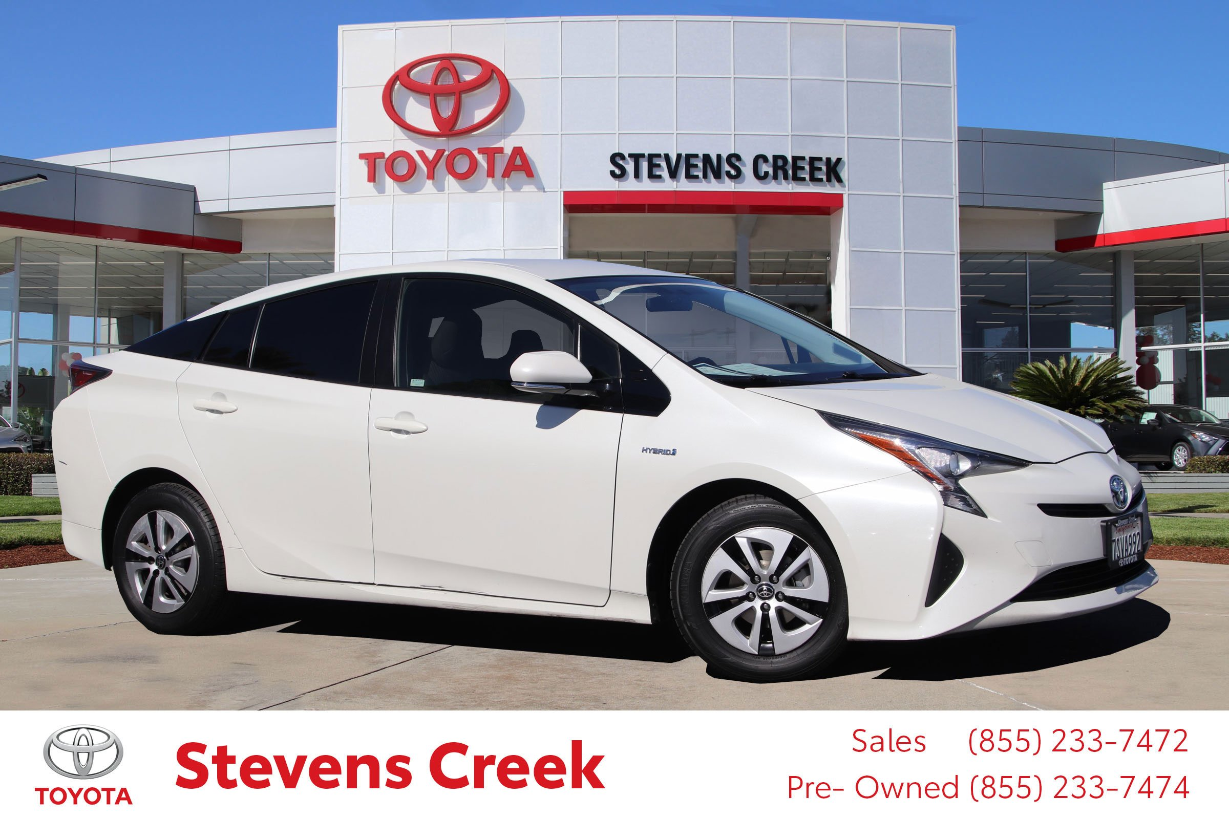 Pre-Owned 2016 Toyota Prius Three Hatchback